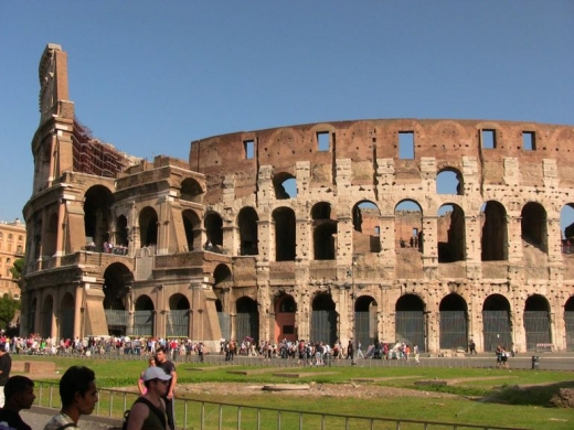 roma tourist walking tour
